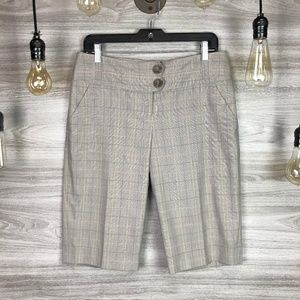 The Limited Cassidy Grey Plaid Shorts Size 6